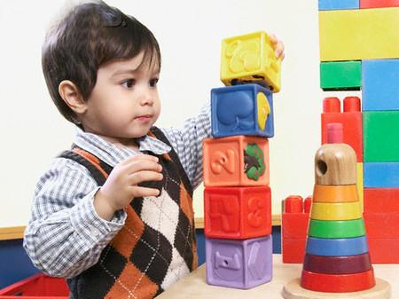 Cha mẹ nên làm gì để phát triển trí thông minh của bé?