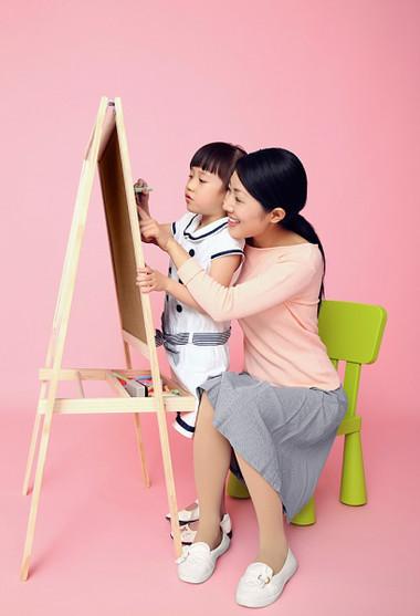Hãy chú ý rèn luyện cho bé tính tự lập ngay từ nhỏ