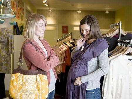 Có nhiều cách giúp bạn tiết kiệm hơn khi mua sắm đồ bầu cho mình