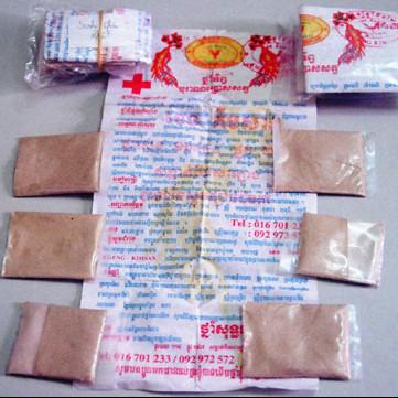 Nhiều trẻ bị ngộ độc vì uống thuốc cam chứa chì trong thời gian vừa qua