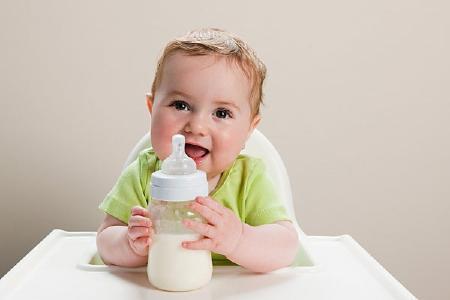 Cho con uống sữa đúng số giúp con phát triển toàn diện hơn