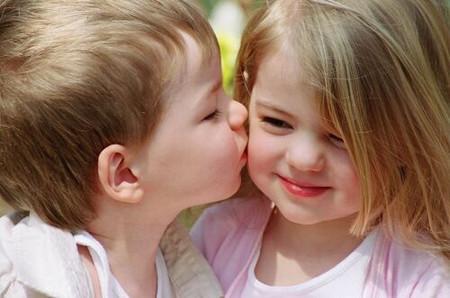 """Tình cảm khác giới là tự nhiên của trẻ, gia đình không nên """"gán ghép"""""""