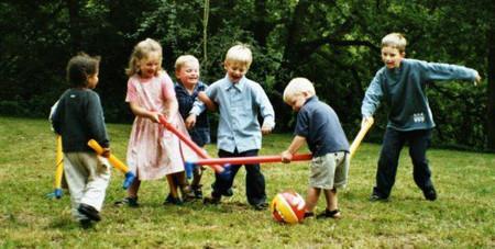 Hãy cho trẻ tiếp xúc nhiều với môi trường tự nhiên để tăng thêm sức đề kháng