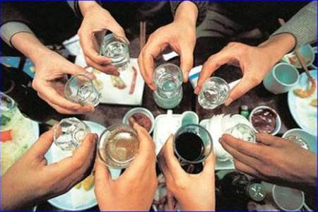 Có nhiều cách để không bị say rượu trong các bữa nhậu