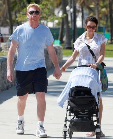 Nếu bạn không có thời gian tập thể dục, hãy tranh thủ làm việc đó trong lúc đưa con đi chơi.