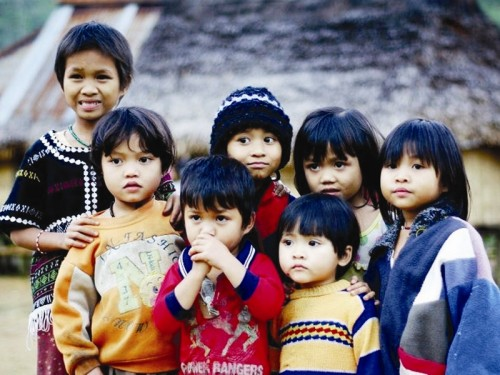 Rất nhiều trẻ em nghèo nông thôn Việt Nam không có điều kiện vệ sinh sạch sẽ