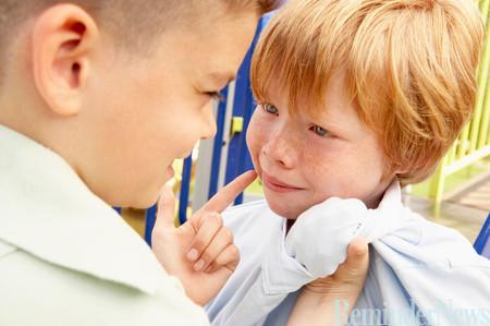 Con bị bắt nạt, cha mẹ nên làm gì? - Chăm sóc bé - Bảo vệ trẻ em - Cách nuôi dạy con trẻ - Làm cha mẹ