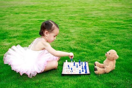 Choi cờ vua giúp trẻ thông minh hơn