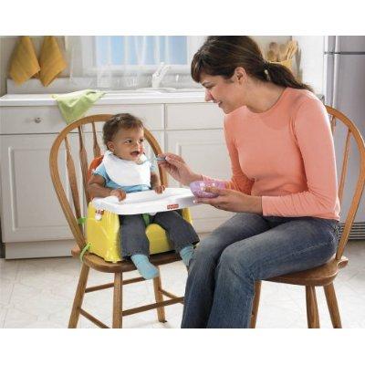 Một số bé sẽ bị táo bón, tiêu chảy hoặc nôn trớ vì cha mẹ cho ăn dặm từ quá sớm
