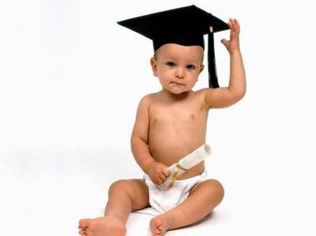 Cha mẹ cần chú ý đến sự phát triển của trẻ ngay từ những năm đầu đời.