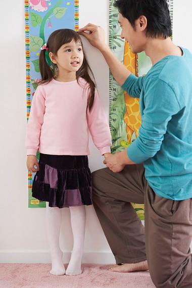 Dinh dưỡng ảnh hưởng lớn nhất đến phát triển chiều cao của bé.