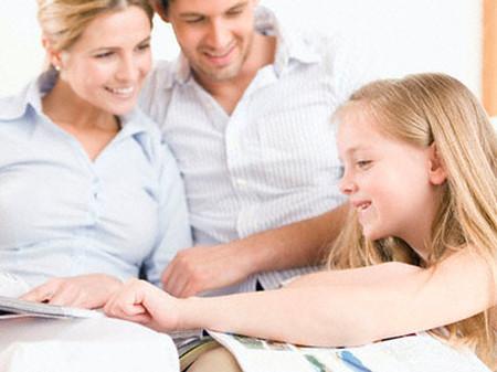 """Khen và thưởng là một """"cặp đôi hoàn hảo"""" giúp bé thêm quyết tâm và tự tin."""