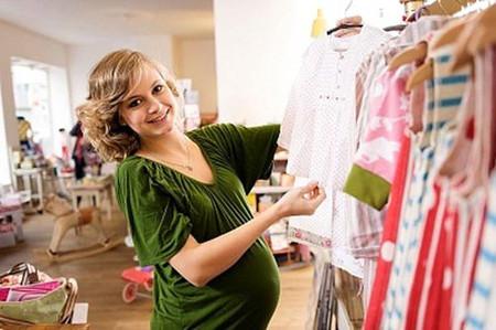 Khoảnh khắc thực sự khiến mẹ bầu nào cũng háo hức, mong chờ nhất là đi mua sắm đồ để chuẩn bị chào đón thành viên mới của gia đình.
