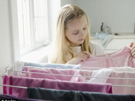 Theo khảo sát, có tới 87% hộ thường giặt và phơi quần áo trong nhà.