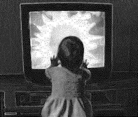 Rất nhiều trẻ chậm nói do bố mẹ cho xem TV quá sớm.