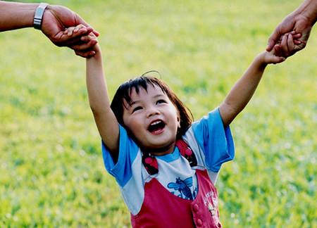 Trẻ hạnh phúc sẽ kiếm tiền nhiều hơn.