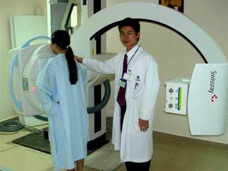 Chụp X-quang nhiều không tốt cho thai nhi.