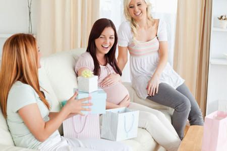 Bà mẹ trong độ tuổi 20 sẽ dễ dàng phục hồi sau khi sinh hơn.