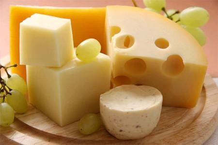 Phô mai có lẽ là một trong những sản phẩm chế biến từ sữa được các bà mẹ tin dùng nhiều nhất.