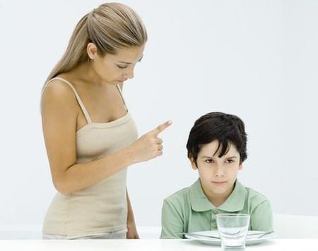 Cho dù bé có lỗi, bé cũng cần được tôn trọng.