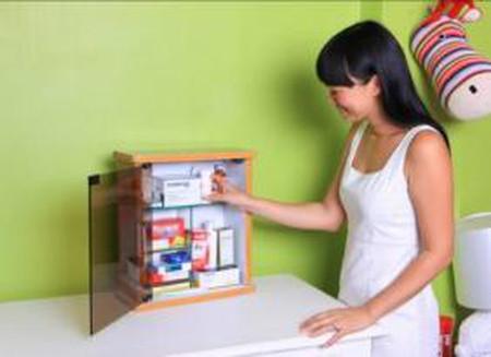 Những thứ cần thiết trong tủ thuốc gia đình khi chăm bé