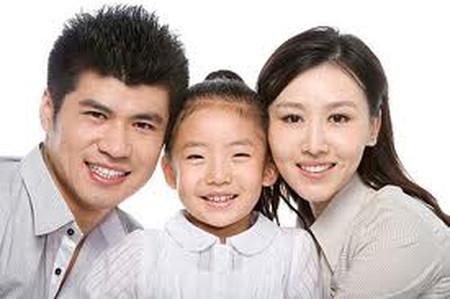 Cha mẹ cần học cách nuôi dạy cũng như ứng xử với con hàng ngày.