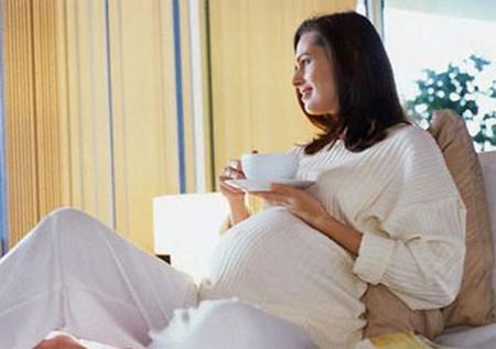 Mở cửa sổ thường xuyên giúp thai phụ giảm nguy cơ sinh non.