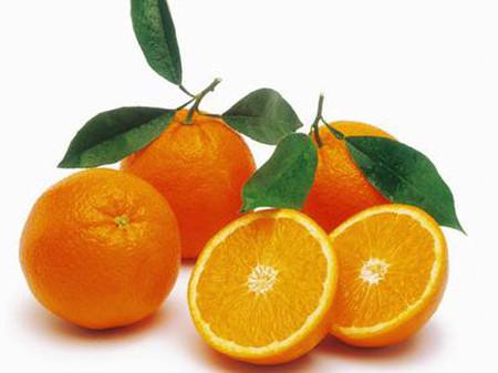 Cam là loại quả giàu vitamin C giúp của thiện sức đề kháng của cơ thể trẻ.