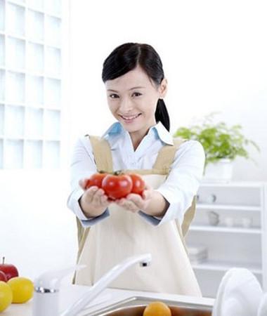 Phụ nữ nên ăn ít nhất một cà chua mỗi ngày.