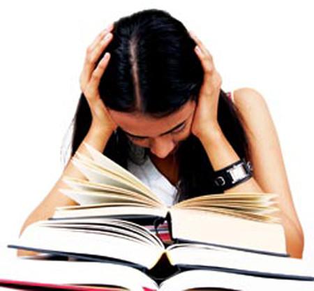 Quá nhiều bài tập về nhà gây hại cho trẻ.