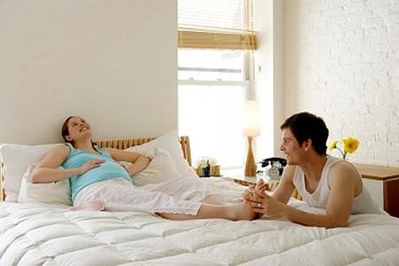 Bàn chân của thai phụ sẽ biến đổi theo hướng tăng kích thước so với bình thường.