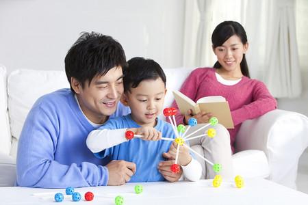 Hãy nuôi dưỡng những đức tính tốt cho con ngay từ nhỏ.