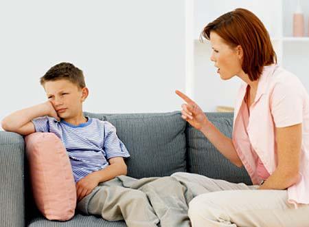 Vì tương lai của con em mình, cha mẹ luôn cân nhắc nên nói gì, làm gì khi ứng xử với các cháu