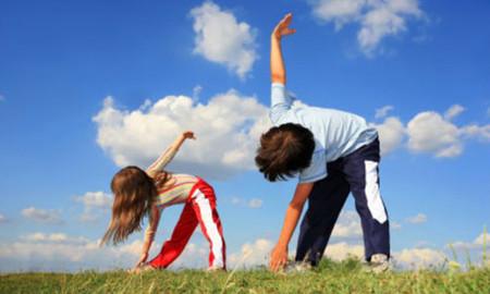 Tập thể dục thường xuyên giúp giảm nguy cơ gãy xương.
