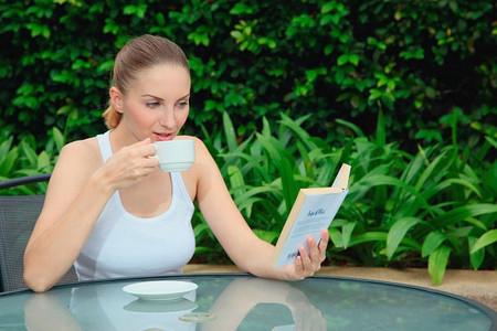 Trong cuộc sống hàng ngày, trà có hiệu quả trong việc cải thiện sức khỏe cơ thể và chống lại bức xạ.