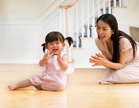 Trẻ dưới 3 tuổi khó kiềm chế cảm xúc.