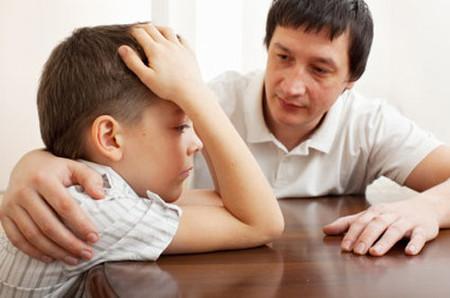 Cha mẹ cần tiếp sức giúp con vượt qua vấp ngã.
