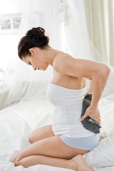 Đau xương chậu là triệu chứng phổ biến khi mang bầu.
