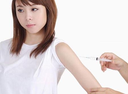 Có thai ngay sau chích ngừa viêm gan và thủy đậu thia nhi có bị ảnh hưởng gì không?