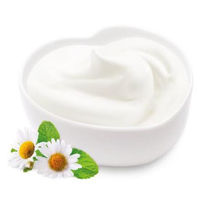 Sữa chua làm từ sữa tươi rất tốt cho sức khỏe.