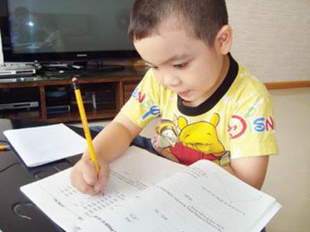 Một số việc bố mẹ cần rèn cho con khi bé vào lớp một