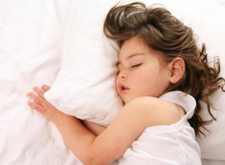 Chứng bệnh thiếu ngủ ở trẻ nhỏ và vị thành niên còn có liên quan tới những bệnh lý khác hoặc dẫn tới trầm cảm sau này.