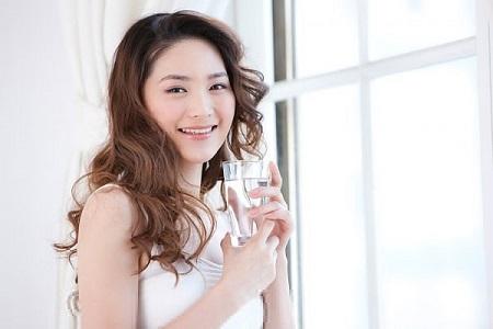 Đừng quên uống một nước vào buổi sáng ngay sau khi tỉnh giấc.
