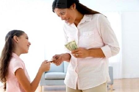 Khi con lớn lên sẽ không hiểu được giá trị đồng tiền vì chúng chưa làm ra nhưng có quá dễ dàng.