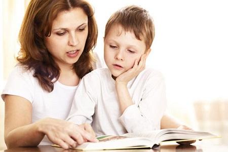 Có những trẻ đọc viết kém hơn các bạn cùng lứa.