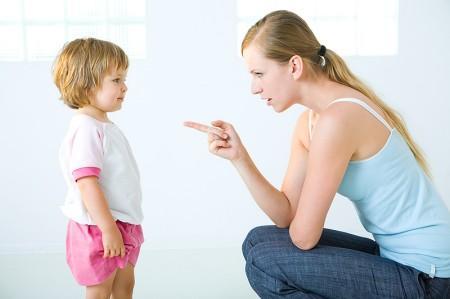 Khi đối phó với tình huống khó, chúng ta phải duy trì sự kiên quyết trong vai trò làm cha mẹ của mình.