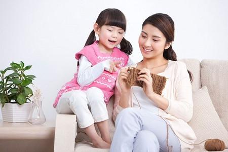 Hãy luôn có gắng tìm ra những điểm tích cực để khen ngợi trẻ.