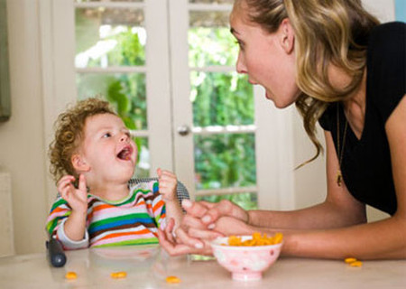 Mẹ nên để bé được tự do lựa chọn món ăn yêu thích