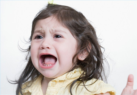 Cha mẹ cần thống nhất trong cách dạy mới mong trị được tật mè nheo của con