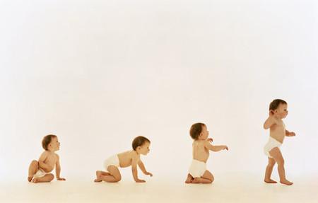 Cần theo dõi các mốc thời gian phtát triển thể chất của trẻ để có thể can thiệp sớm nhất nếu có biểu hiện bất thường xảy ra